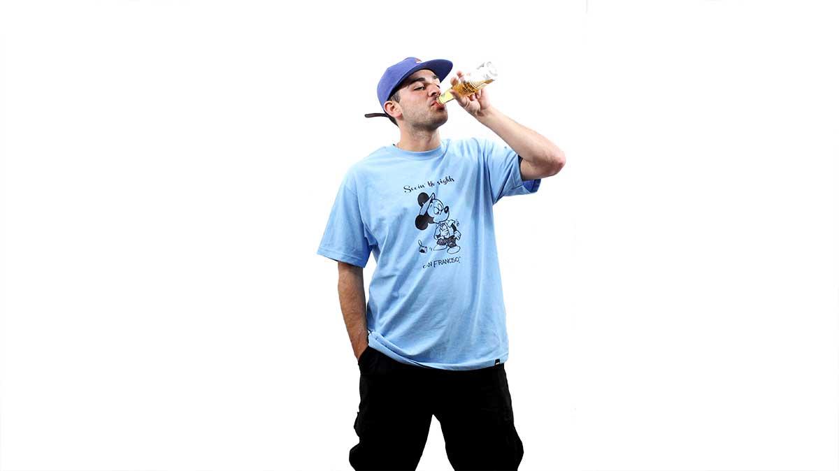 josh-seein-the-sights-drink-beer