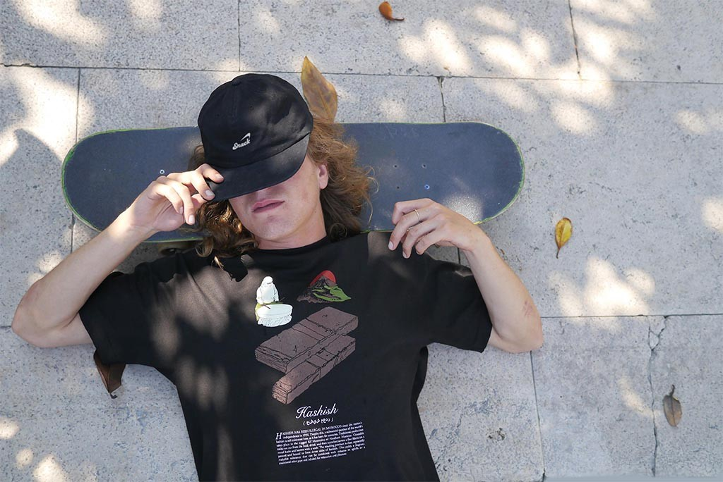 hashish kenny snooze snack skateboards