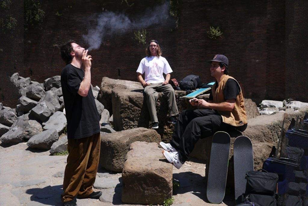 smoke colisseum snack skateboards